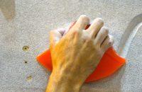 Zaciskanie / zamykanie palców jako znaczący sygnał niewerbalny.
