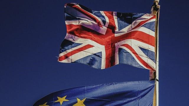 Negocjacje pomiędzy UE a UK